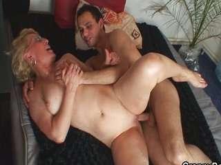 Секс на даче зрелые бабы