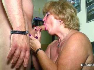 Бабушки ебутся с внуками смотреть
