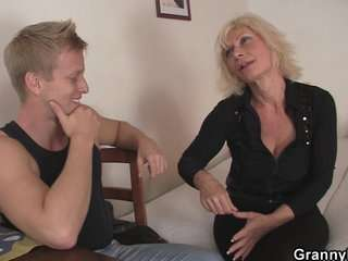 Посмотреть видео старые бабы в порно