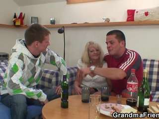 Бесплатное видео бабушки
