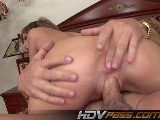Порно бабушки мохнатки