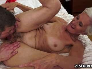 Порно толстые старые лесби страпон фото 432-663