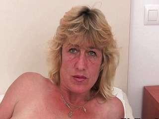 Порно старые женщины мастурбация подсмотренное