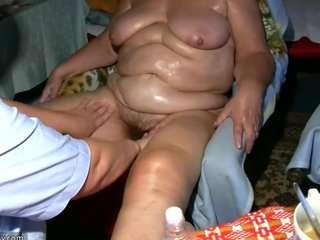 Жирные бабушки сволосатой вагиной