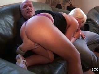 Смотреть порно онлайн двух бабушек трахают в сарае внучки фалосом фото 697-433