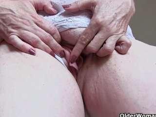 Посмотреть как бабушки снимаются в порно