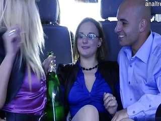 Старые писи и попы в порно-видео бесплатно.
