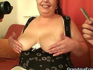 Торрент секс грудастых бабушек с молодыми девушками онлайн